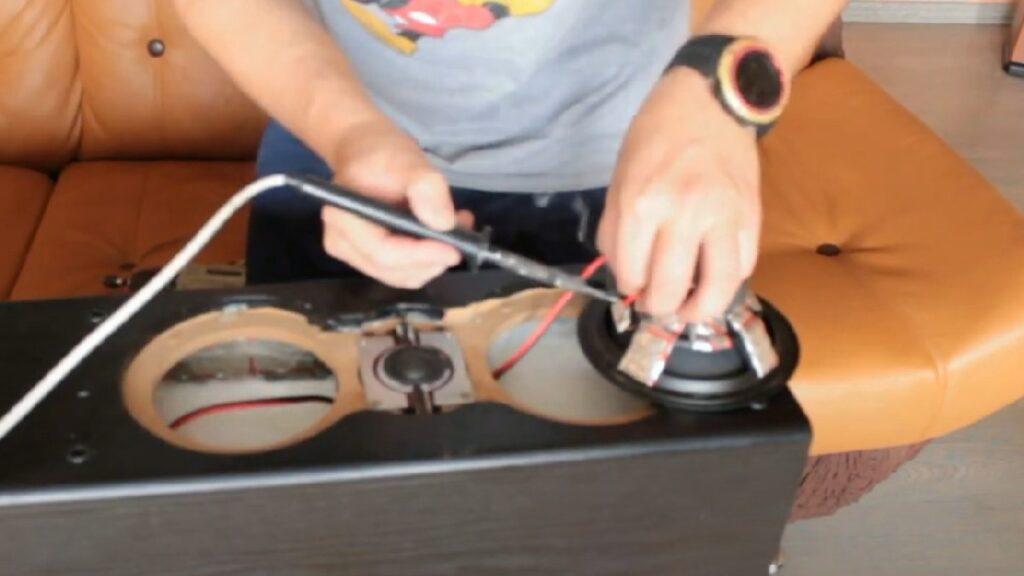 Пайка проводов от кроссовера к динамику Cortland S-250