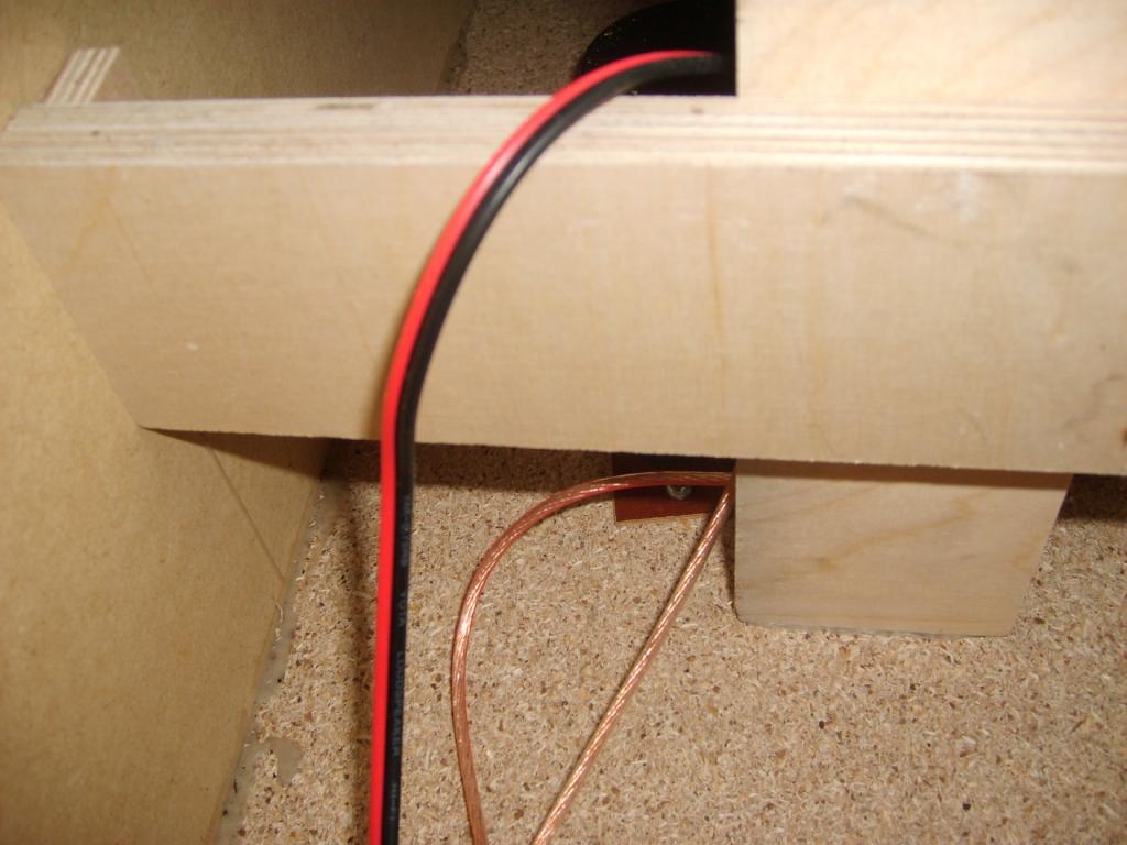 Ребра жесткости в Radiotehnika S400M