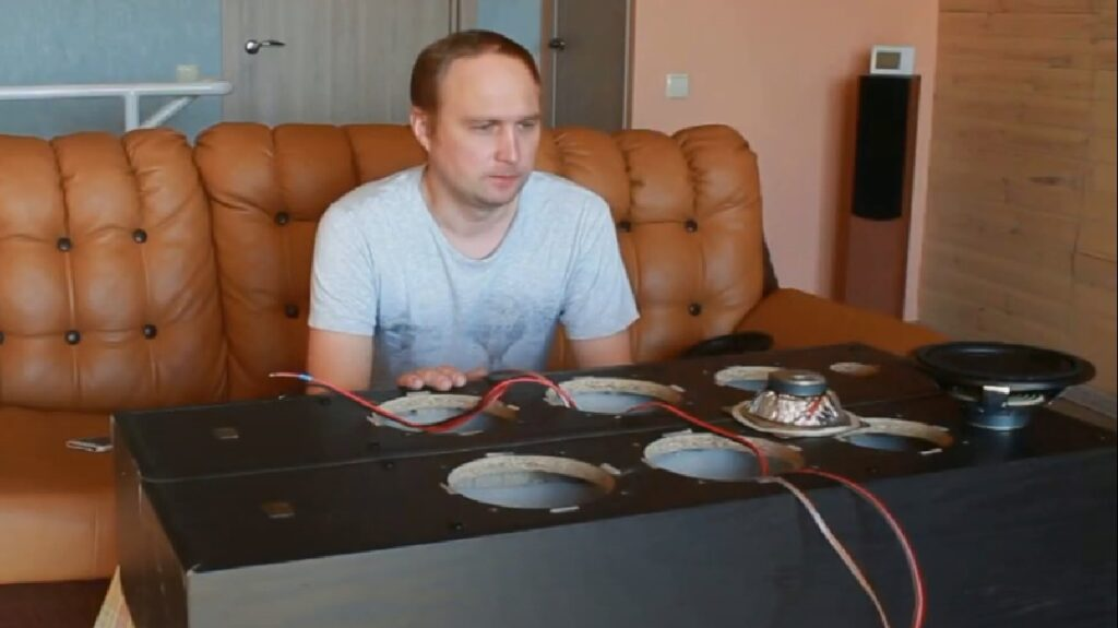 Установка динамиков Radiotehnika Rigonda 5.1