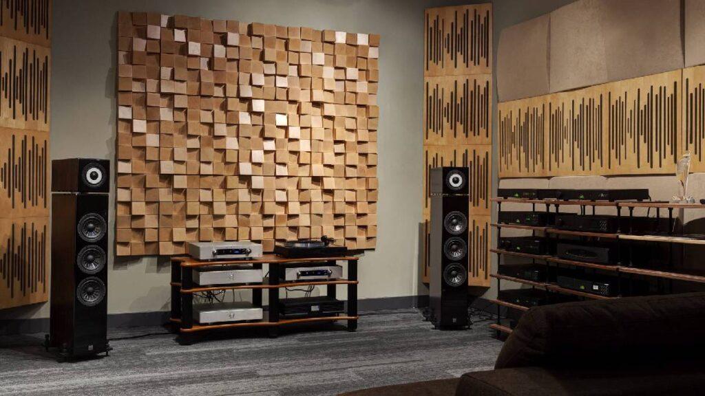 Звуковые диффузоры на стене